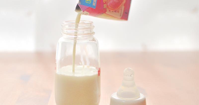 赤ちゃんの子育てに必見!液体ミルクってなに?
