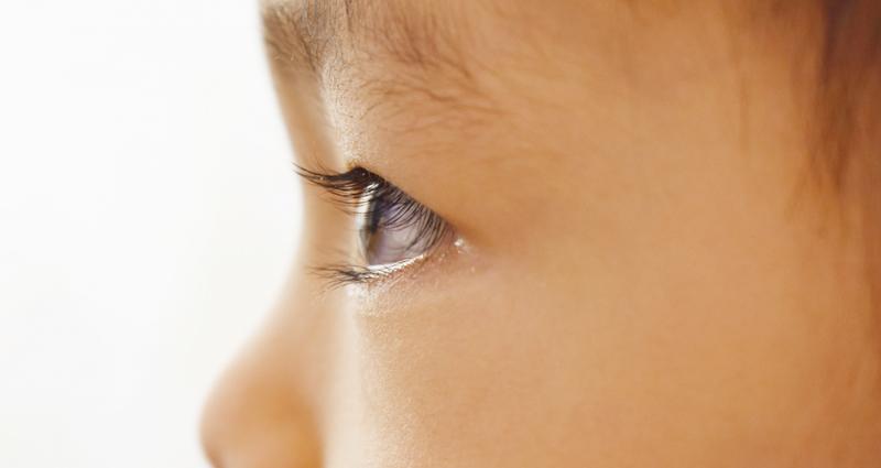 赤ちゃんや幼児の目は合わないと思ったことはありませんか?