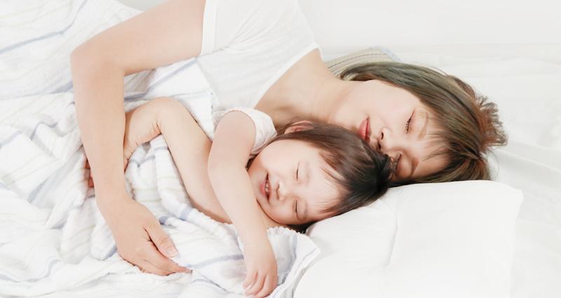 乳児と1歳児の兄弟・姉妹の寝かしつけ方