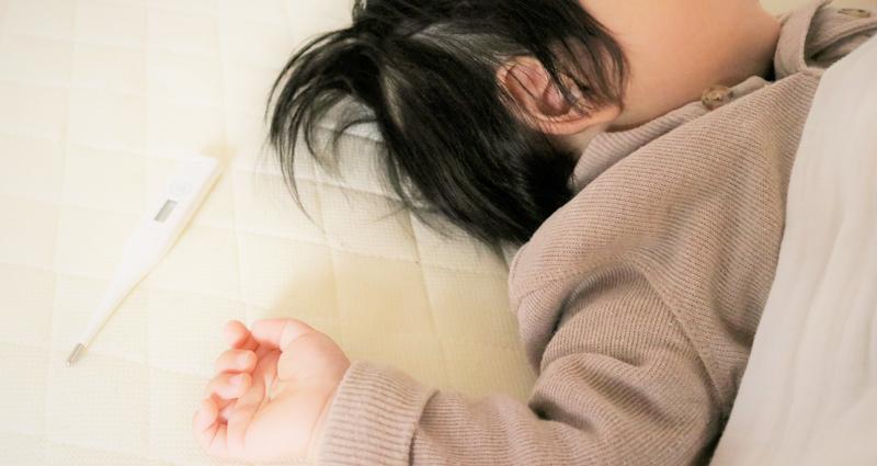 赤ちゃん・子どもが突発性発疹症(小児バラ疹)に感染した時の対処や治療について