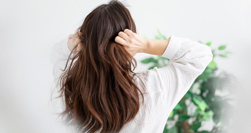 産後の抜け毛が原因が気になる!前髪の量が減った…抜け毛のケア・改善をご紹介