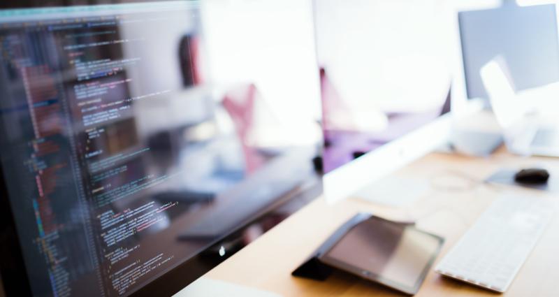 webデザイナー必須!?デュアルディスプレイで作業効率アップ!