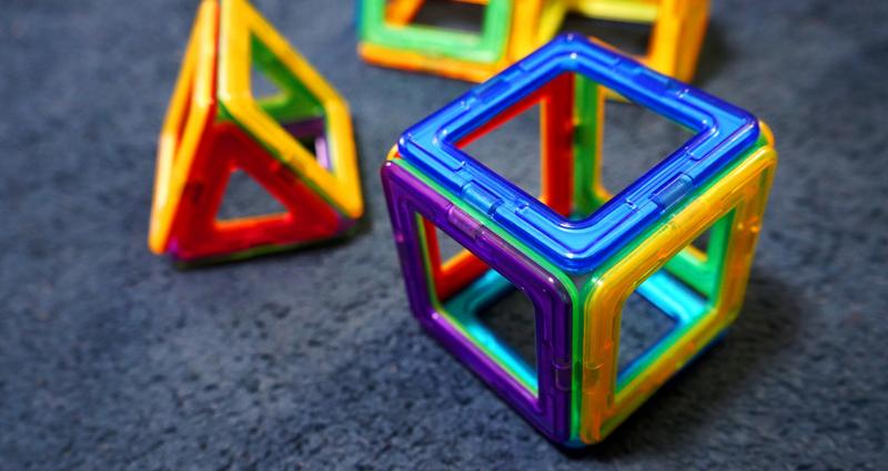 磁石の活用法!マグネットを使って子どもの成長に。