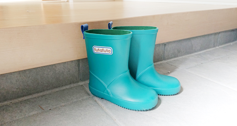 子どもの長靴好きは、雨の日・晴れの日は関係ない!
